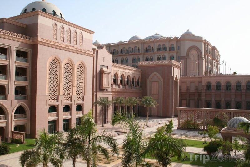 Fotka, Foto Abu Dhabi - hotelový komplex Emirates Palace (Spojené arabské emiráty)
