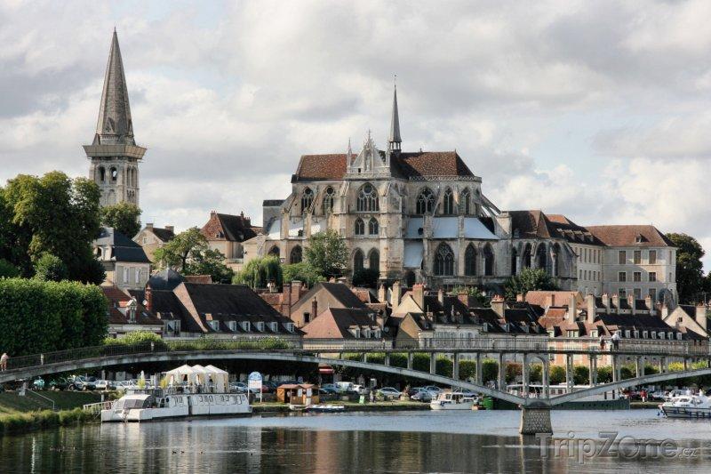 Fotka, Foto Auxerre, opatství Saint-Germain (Francie)