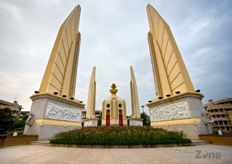Fotka, Foto Bangkok, pomník Demokracie (Thajsko)