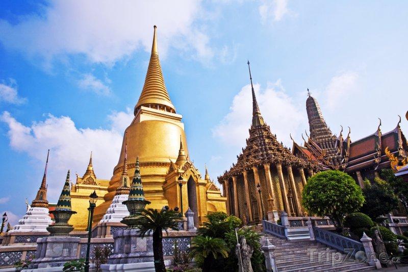 Fotka, Foto Bangkok, stúpa Phra Sri Ratana Chedi, součást Phra Borom Maha Ra (Thajsko)