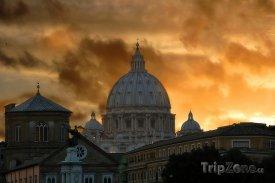 Bazilika sv. Petra při západu slunce