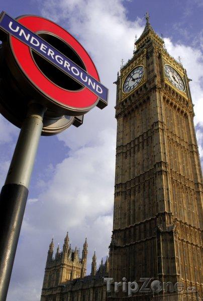 Fotka, Foto Big Ben a znak londýnského metra (Londýn, Velká Británie)