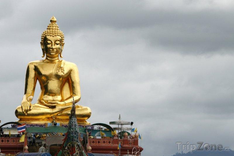 Fotka, Foto Buddhova socha na severu Thajska při hranicích s Laosem a Barmou (Thajsko)