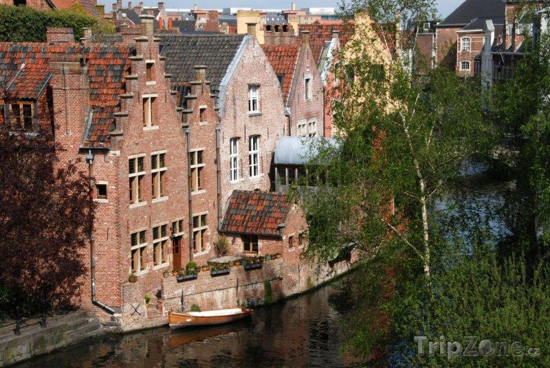 Fotka, Foto Domy u kanálu (Gent, Belgie)