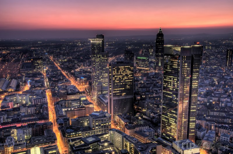 Fotka, Foto Frankfurtské mrakodrapy v noci (Frankfurt, Německo)
