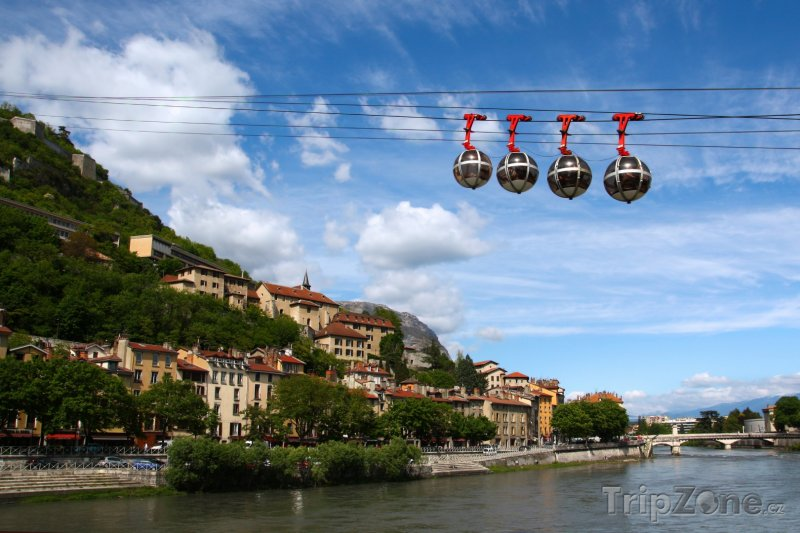 Fotka, Foto Grenoble, lanovka (Francouzské Alpy, Francie)