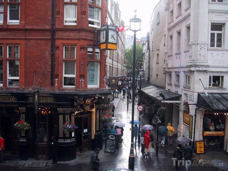 Fotka, Foto Hospoda na rohu ulice (Londýn, Velká Británie)