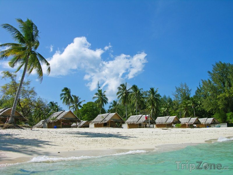 Fotka, Foto Ko Lipe, bungalovy na pláži (Thajsko)