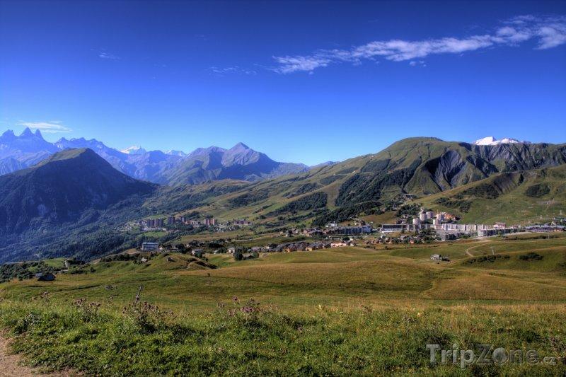 Fotka, Foto Les Sybelles, vesnice La Toussuire (Les Sybelles, Francie)