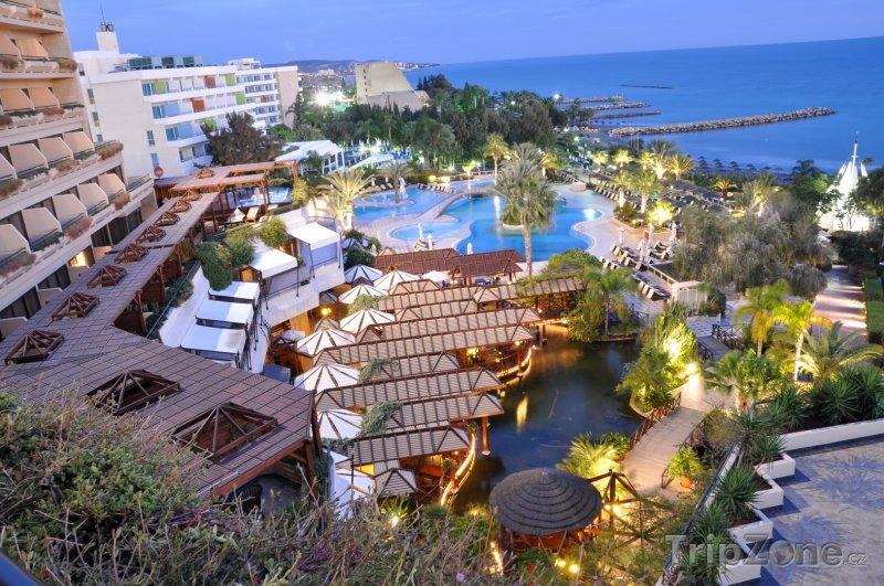 Fotka, Foto Limassol, záliv Akrotiri, hotel (Kypr)
