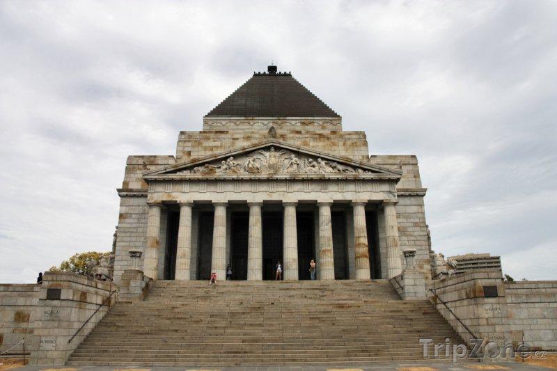 Fotka, Foto Melbourne, válečný památník Shrine of Remembrance (Austrálie)