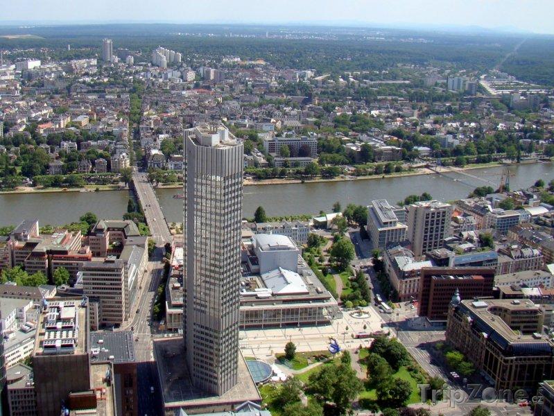 Fotka, Foto Mrakodrap Maintower ve Frankfurtu nad Mohanem (Frankfurt, Německo)