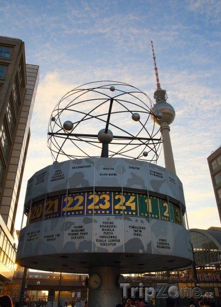 Fotka, Foto Náměstí Alexanderplatz v Berlíně (Berlín, Německo)