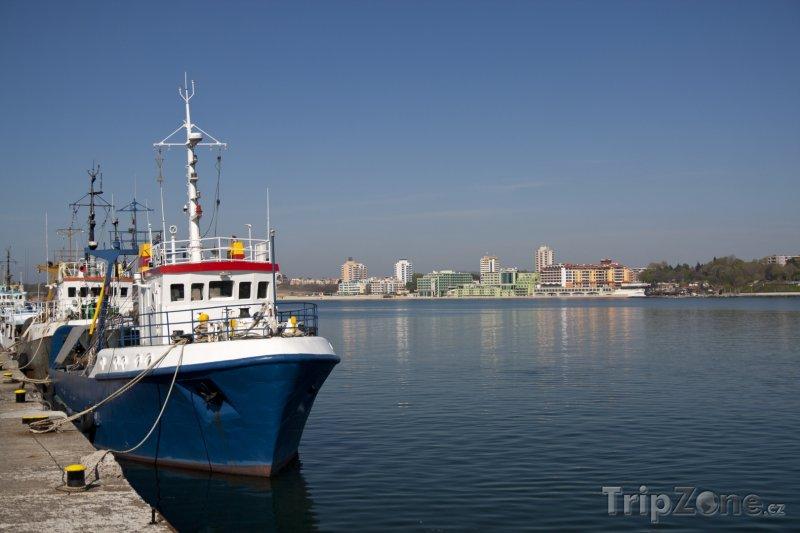 Fotka, Foto Nesebar, loď v přístavu (Centrální část pobřeží, Bulharsko)