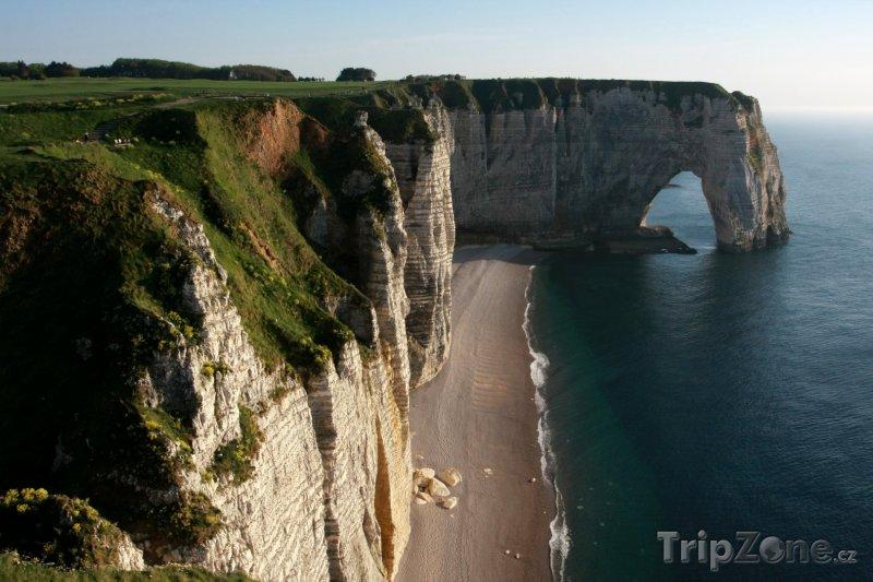Fotka, Foto Normandie, útesy v Étretat (Francie)