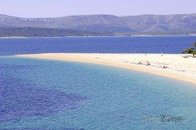 Ostrov Brač, pláž Zlatni Rat