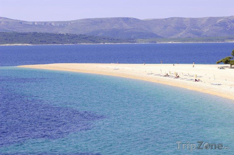 Fotka, Foto Ostrov Brač, pláž Zlatni Rat (Chorvatsko)