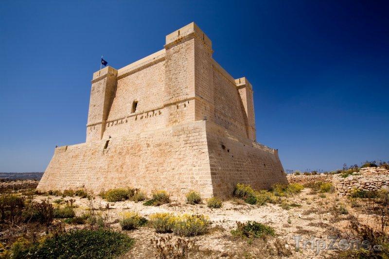Fotka, Foto Ostrov Comino, pevnost sv. Marie (St Mary's Tower) (Malta)