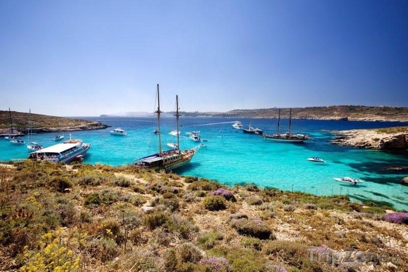 Fotka, Foto Ostrov Comino, pohled na Modrou lagunu (Malta)