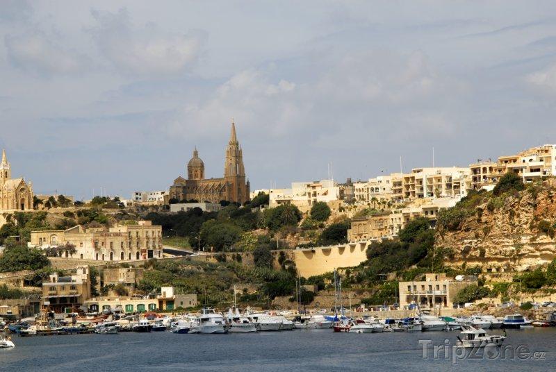 Fotka, Foto Ostrov Gozo, město na pobřeží (Malta)