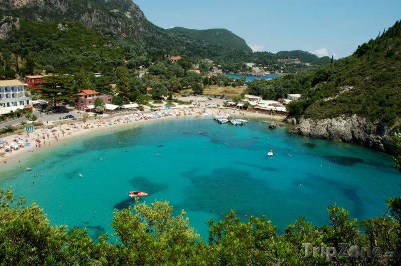 Fotka, Foto Paleokastritsa, pobřeží (Korfu, Řecko)
