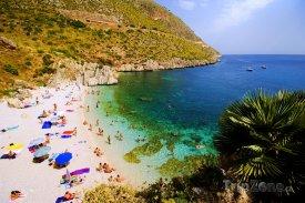 Pláž na Sicílii