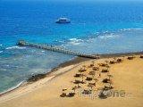 Pláž v letovisku Taba