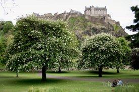 Pohled na hrad z Princes Street Gardens