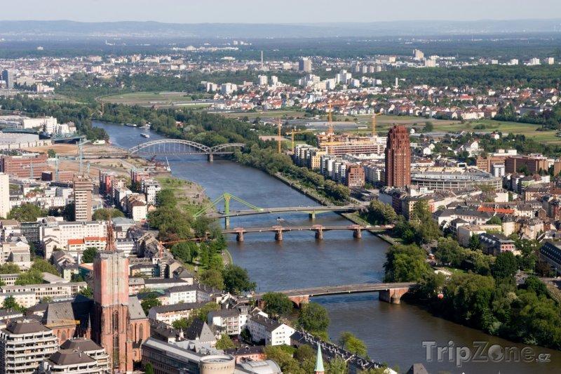 Fotka, Foto Pohled na řeku Mohan (Frankfurt, Německo)