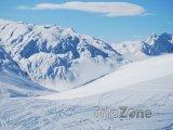 Pohled z vrcholu sjezdovky do údolí