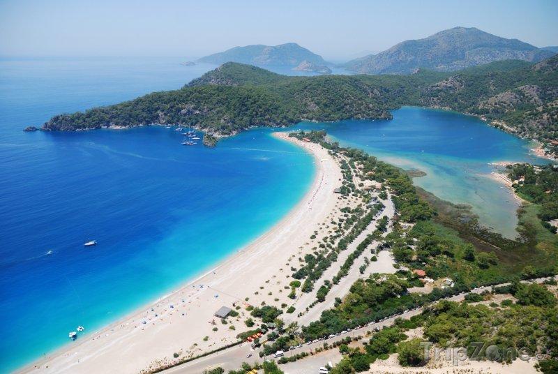 Fotka, Foto Překrásná pláž Ölüdeniz (Egejská riviéra, Turecko)