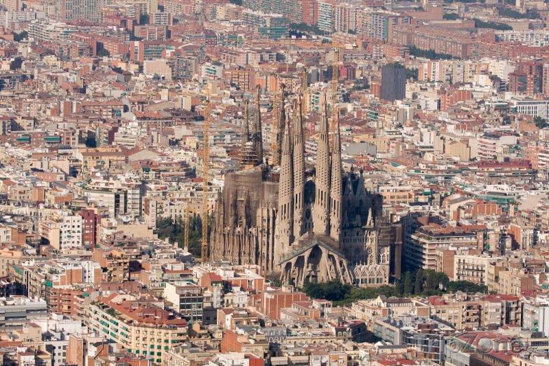Fotka, Foto Sagrada Família, pohled z dálky (Barcelona, Španělsko)