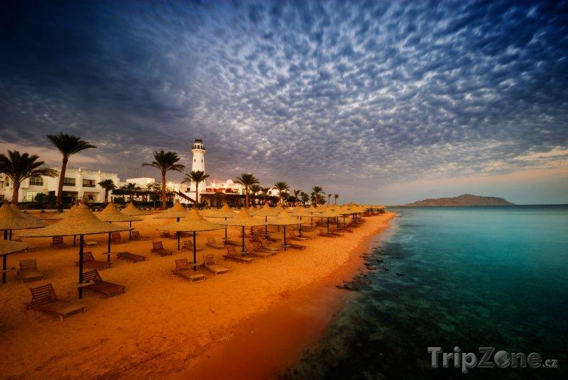 Fotka, Foto Sharm El Sheikh, soumrak na pláži (Sinaj, Egypt)
