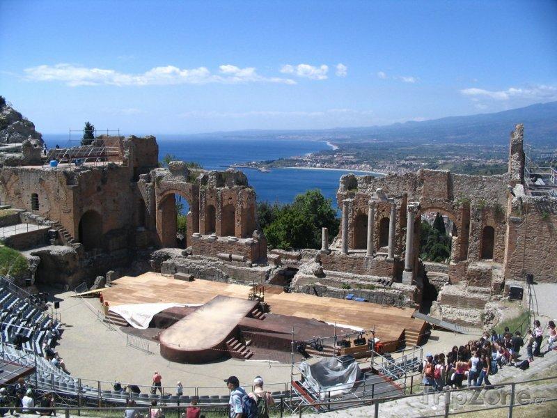 Fotka, Foto Taormina, antické divadlo (Sicílie, Itálie)
