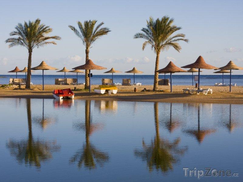 Fotka, Foto Typické slunečníky na Hurghadě (Východní pobřeží, Egypt)