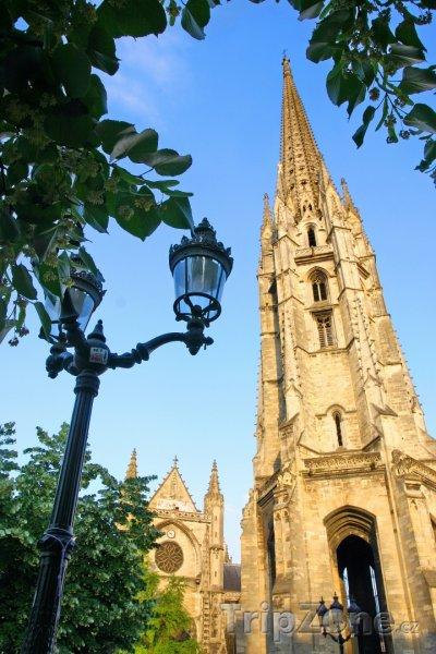 Fotka, Foto Věž katedrály Saint-André (Bordeaux, Francie)