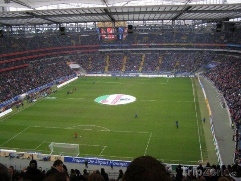 Fotka, Foto Vnitřek stadiónu (Frankfurt, Německo)