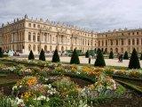 Zámek Versailles v okolí Paříže