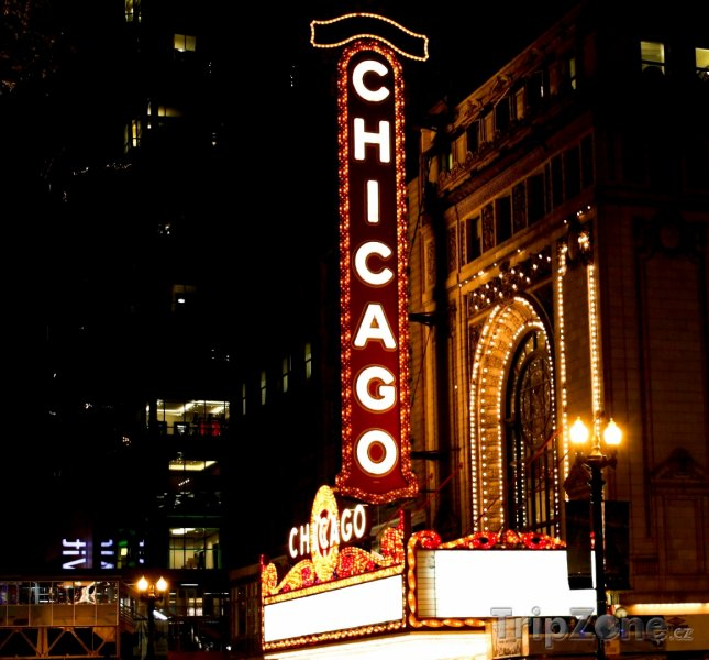 Fotka, Foto Známý neon na Balaban and Katz Chicago Theatre (Chicago, USA)