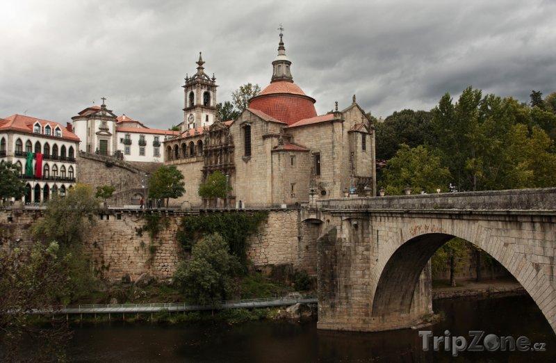 Fotka, Foto Amarante - klášter San Goncalo (Portugalsko)