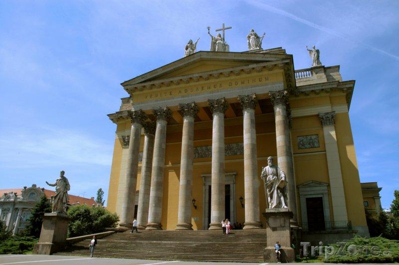 Fotka, Foto Bazilika v Egeru (Maďarsko)