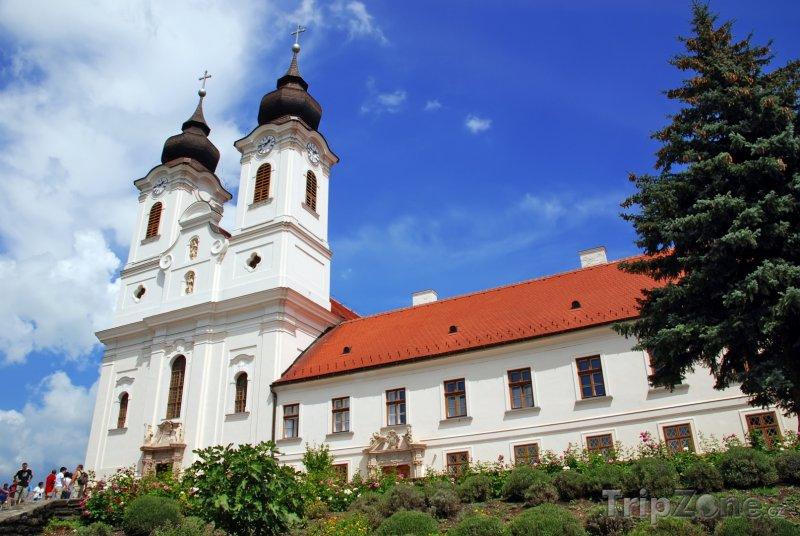 Fotka, Foto Benediktinský klášter Tihany v obci Tihany u Balatonu (Maďarsko)
