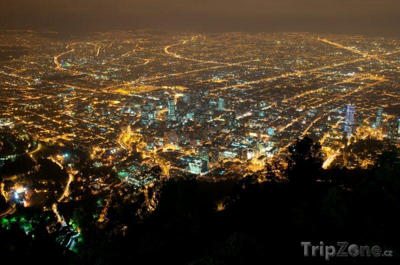 Fotka, Foto Bogota v noci (Kolumbie)