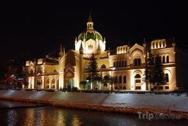 Budova Akademie výtvarných umění v noci
