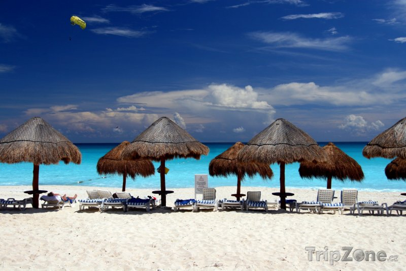 Fotka, Foto Cancún, pláž s bílým pískem (Mexiko)