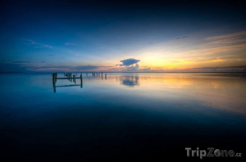 Fotka, Foto Central Eluethera, oceán (Bahamy)