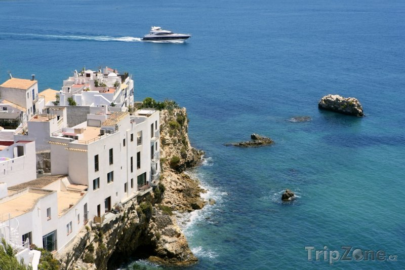Fotka, Foto Domy na pobřeží (Ibiza, Španělsko)