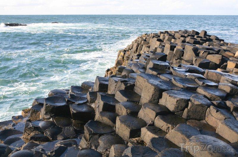 Fotka, Foto Giants Causeway - geologický útvar v Severním Irsku (Velká Británie)