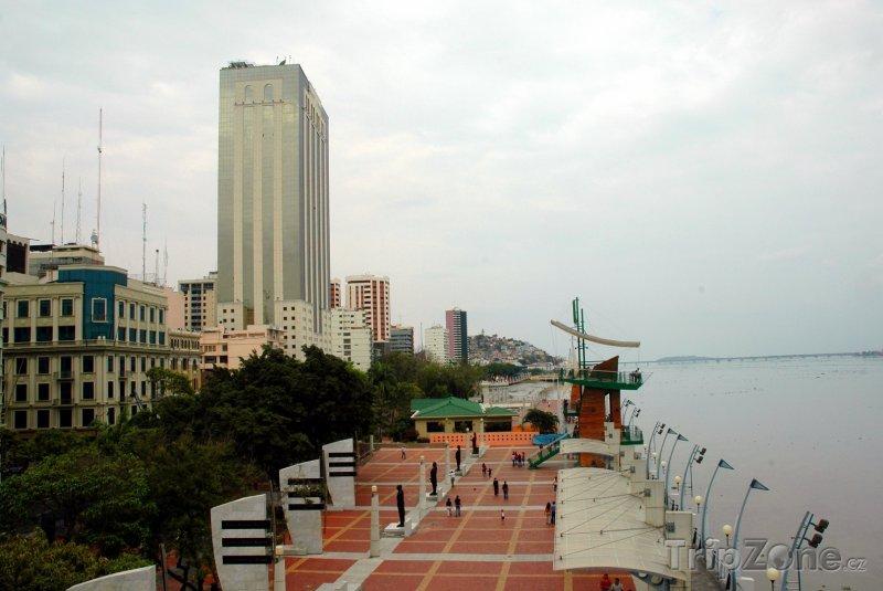 Fotka, Foto Guayaquil, nábřeží řeky Guayas (Ekvádor)