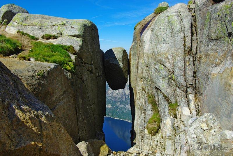Fotka, Foto Hora Kjerag a balvan Kjeragbolten (Norsko)